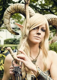 Cosplay-Cover: Faun ... or maybe Satyr