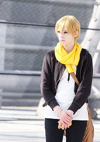 Cosplay-Cover: Masaomi Kida (Yellow Scarves)