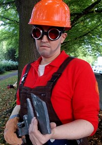 Cosplay-Cover: Red Engineer