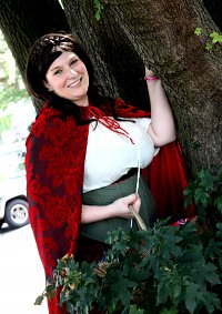 Cosplay-Cover: Red Riding Hood (Forest)
