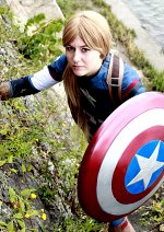 Cosplay-Cover: Female Captain America (Avengers: AOU)