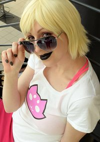 Cosplay-Cover: Roxy Lalonde