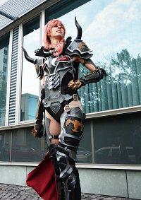 Cosplay-Cover: Lightning Dark Knight