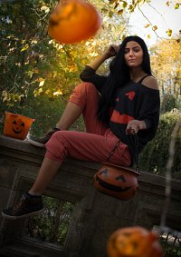 Cosplay-Cover: Ana Amari (Halloween Spray)