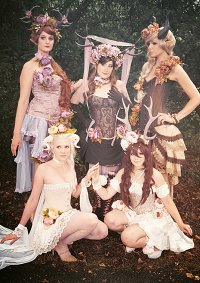 Cosplay-Cover: Lilac Elf (Burlesque)