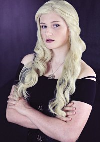 Cosplay-Cover: Daenerys Targaryen [Formal]