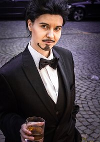 Cosplay-Cover: Tony Stark [Smoking]