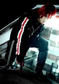 Cosplay-Cover: Fem!Shepard (N7 Hoodie)