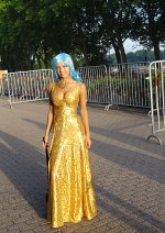 Cosplay-Cover: Vivi in Gold