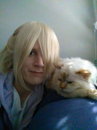 Cosplay-Cover: Yuri Plisetsky (Casual @ Home on Bed)