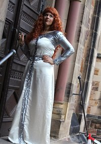 Cosplay-Cover: Lady Marian - Helden in Strumpfhosen