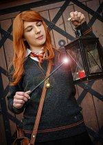 Cosplay-Cover: Ginny Weasley • Schooluniform