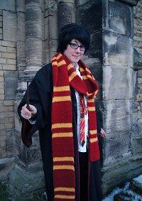 Cosplay-Cover: James 'Prongs' Potter [Hogwarts Uniform]
