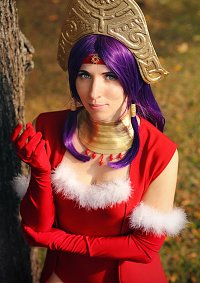 Cosplay-Cover: Angela [Grand Divina]
