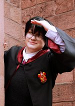 Cosplay-Cover: Harry Potter [Schuluniform]