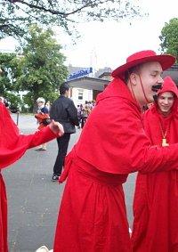 Cosplay-Cover: Kardinal Biggles (Spanische Inquisition)