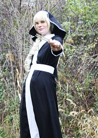 Cosplay-Cover: Lucille (Schwester Lysia)