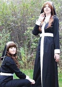 Cosplay-Cover: Schwester Garnet [Carnelian Rhodonit]
