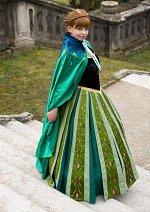 Cosplay-Cover: Prinzessin Anna von Arendelle ~Krönungs kleid ver.