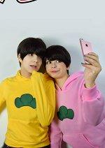 Cosplay-Cover: Matsuno Todomatsu ~Pink Sweater~
