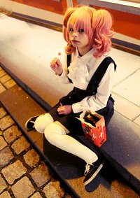 Cosplay-Cover: Roromiya Karuta ~Winter Uniform~