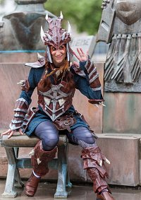 Cosplay-Cover: Dragonscale Armor