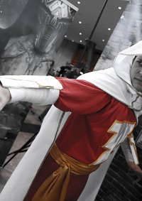 Cosplay-Cover: Shazam / Captain Marvel