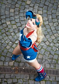 Cosplay-Cover: Stargirl (DC Bombshells by Ant Lucia)
