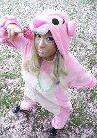 Cosplay-Cover: Pink Panther Kigurumi