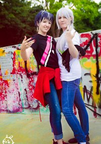 Cosplay-Cover: Momo [7/11 Collab.]