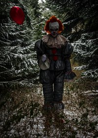 Cosplay-Cover: Pennywise the dancing Clown