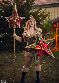 Cosplay-Cover: Athena (Red Star) - Smite