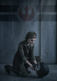 Cosplay-Cover: General Leia Organa