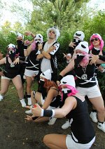 Cosplay-Cover: Team Skull Rüpel