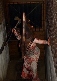 Cosplay-Cover: Pyramide Head