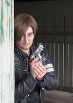 Cosplay-Cover: Leon S. Kennedy (RE6)