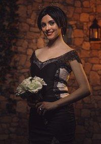 Cosplay-Cover: Selina Kyle (Wayne?) Wedding Dress
