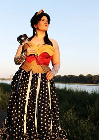 Cosplay-Cover: Wonder Woman (Ball Version)