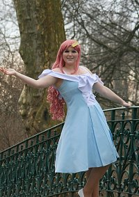 Cosplay-Cover: Lacus Clyne [Fields of Hope]