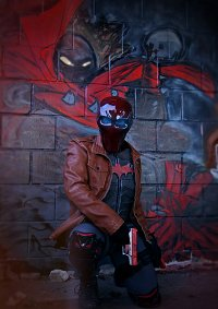 Cosplay-Cover: Jason Todd / Red Hood