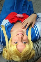 Cosplay-Cover: Usagi Tsukino *Winterschuluniform*