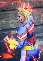 Cosplay-Cover: XXX All Might *Golden Age*