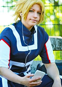 Cosplay-Cover: Denki Kaminari - Training