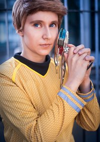 Cosplay-Cover: James T. Kirk (Into Darkness)