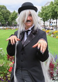 Cosplay-Cover: Undertaker - Charlie Chaplin Version - Band 13