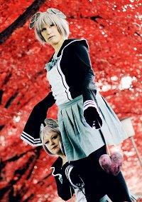 Cosplay-Cover: Mahou Shojo Twin 'unfriendly'