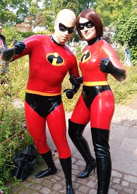 Cosplay-Cover: Mr. Incredible