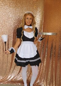 Cosplay-Cover: Blonde Haired Maid