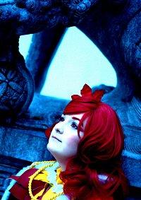 Cosplay-Cover: Reina - Königin der Weihnachtssterne