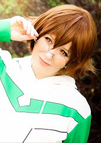 Cosplay-Cover: Pidge Gunderson [Green Lion Jacket]